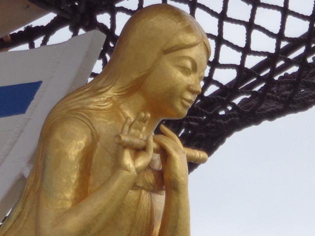 海の女神像 UP H.JPG
