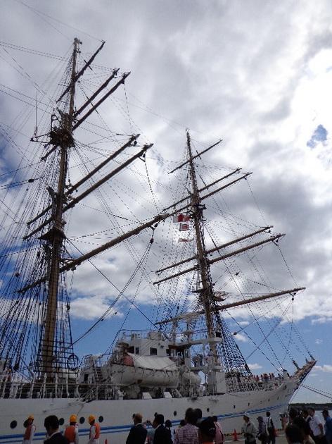 海王丸 船首側 J.JPG